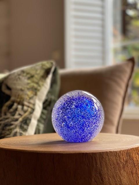 Stardust Line Bulb Transparant Donker Blauw A11STBTDB sfeerfoto
