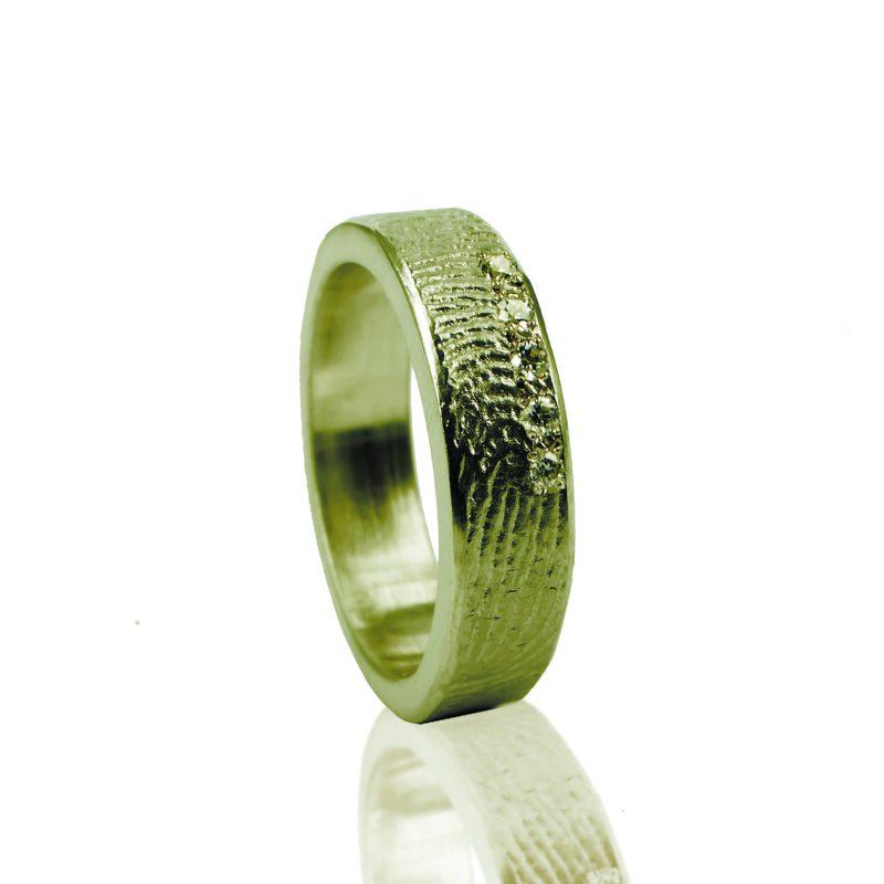 Vingerafdruk Ring met 5 Pave Gezette Zirkonia Goud 0101-05G