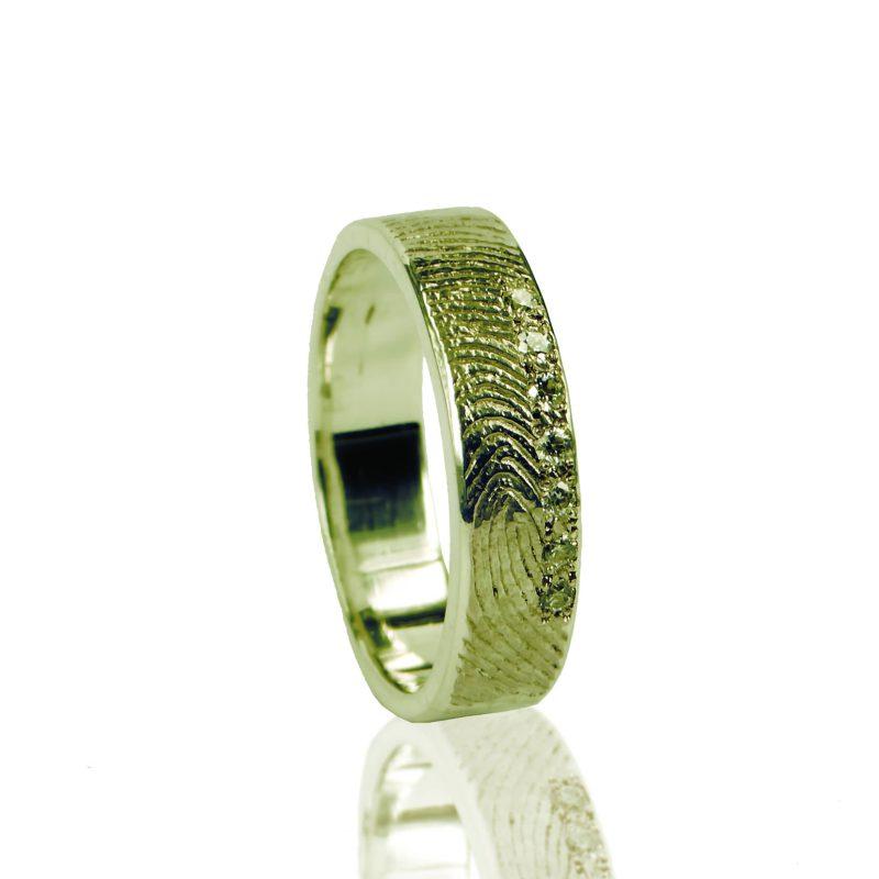 Vingerafdruk Ring met 7 Pave Gezette Zirkonia Goud 0101-07G