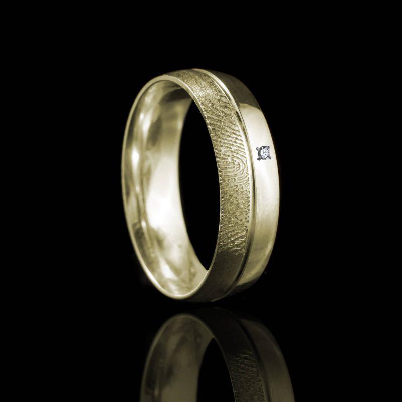 Vingerafdruk Ring met Groef en 3 pave gezette stenen Goud 0169-01G