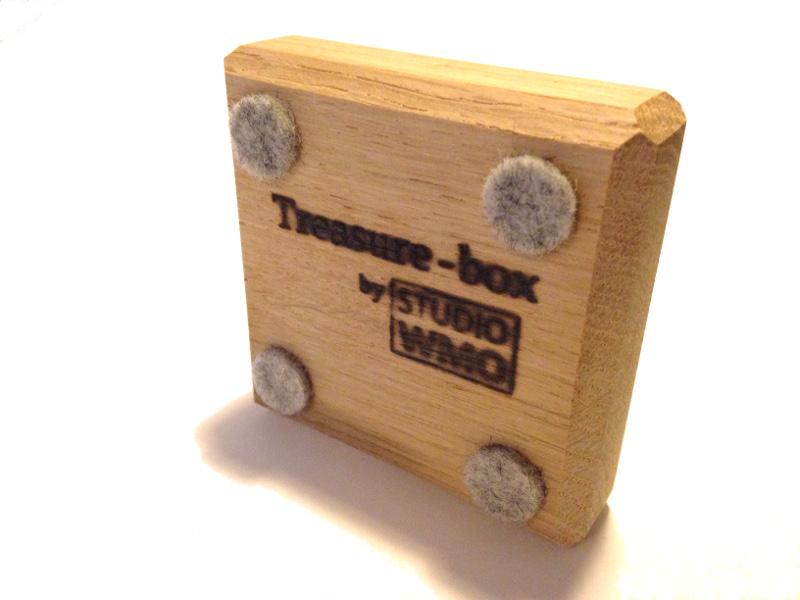 Waxinelichthouder eikenhout Treasurebox onderkant 17-018