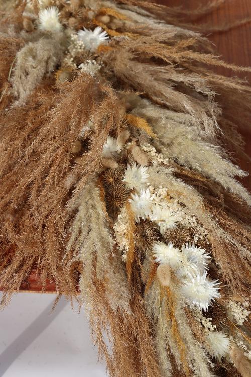 Rouwbloemen kiststuk droogbloemen natuurlijke tinten detail foto KSN01-00