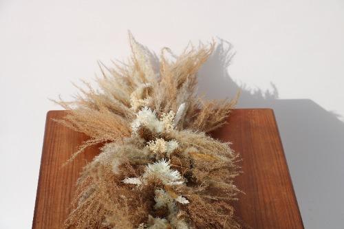 Rouwbloemen kiststuk droogbloemen natuurlijke tinten KSN01-00